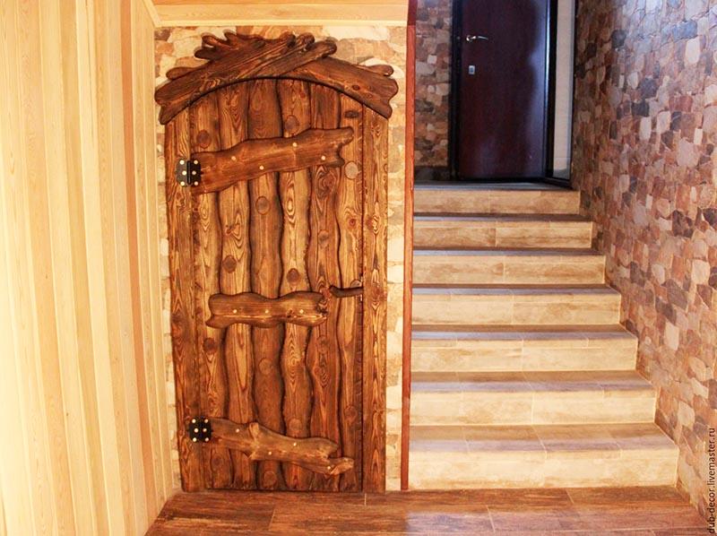 Дверь выглядит богато, но не разбухнет ли она от повышенной влажности?