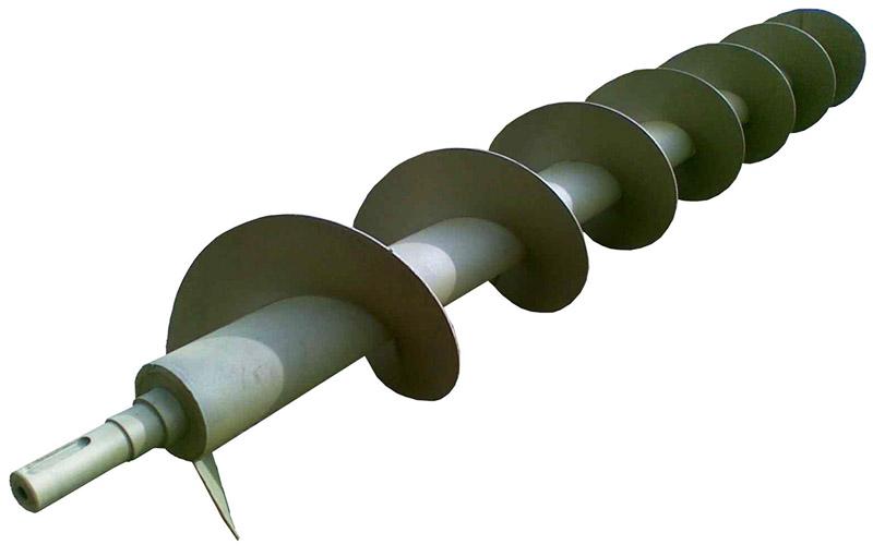 Для закачки воды выбирайте прочный металлический винт. Обычный, сделанный из пластика − для этих целей не подойдёт