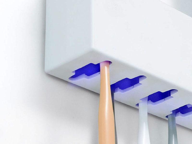 Ультрафиолетовый очиститель продезинфицирует с помощью ультрафиолета ваш инструмент, и он будет стерилен к следующему использованию