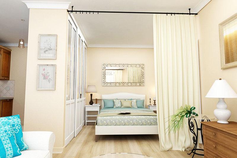 Спальня, отделённая шторами