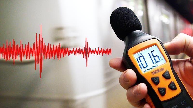 Серьёзным препятствием на пути сигнала могут стать помехи от электрических приборов: радиотелефонов, микроволновки, компьютера. Все приборы, частота сигнала которых ‒ 2,4 или 5 Ггц, будут мешать вам нормально пользоваться интернетом