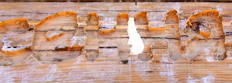 Некоторые части могут вылететь при работе фрезером – их придётся подклеить
