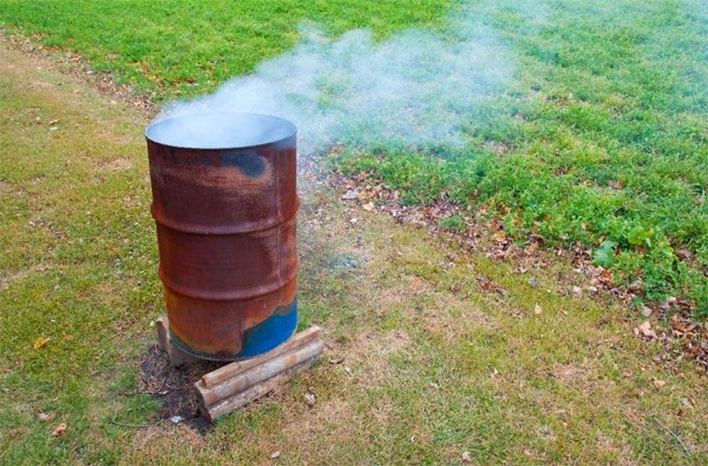 Первый подразумевает наличие металлической бочки и возможность развести под ней костёр для нагрева воды