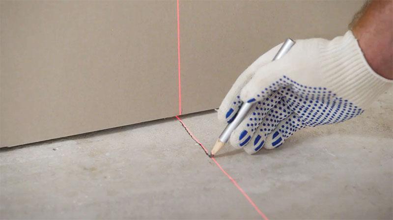 Монтаж перегородки из гипсокартона в комнате