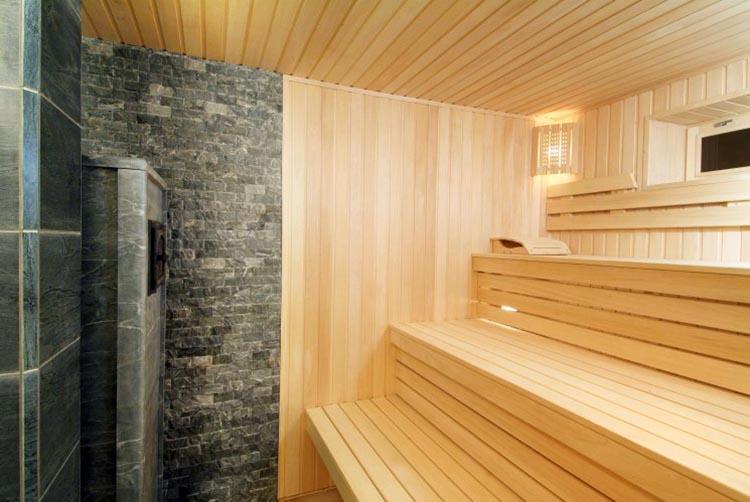 Внутреннее помещение бани