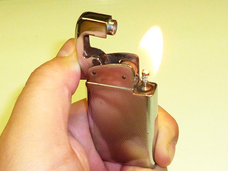 Для снятия изоляции можно воспользоваться зажигалкой, но следует быть крайне аккуратным