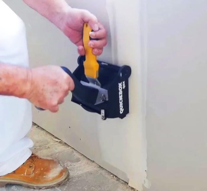 Инструмент для тщательной отделки стен
