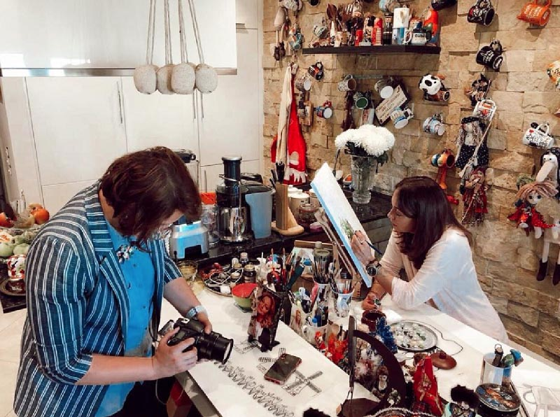 В мастерской Виктории, как у любого творческого человека, небольшой беспорядок