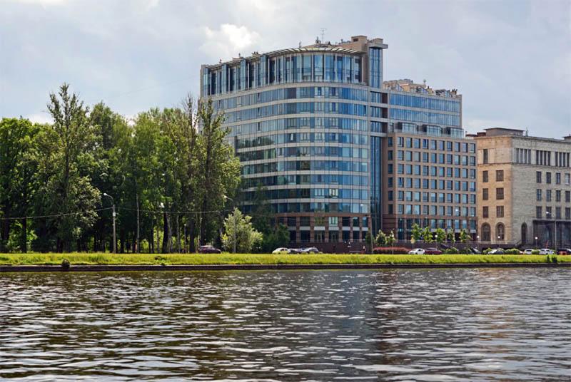 Элитные апартаменты расположены в жилом комплексе «Новая звезда» на Песочной набережной