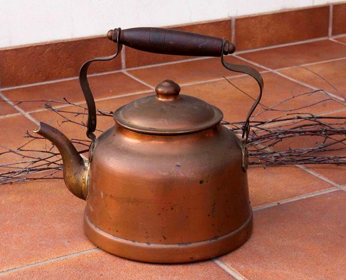 Как использовать видавший виды сломанный чайник