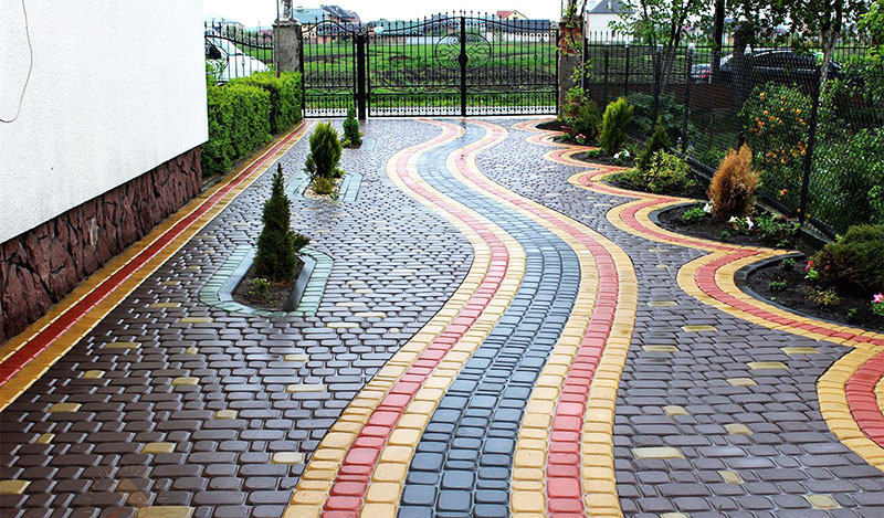 Можно ли покрасить тротуарную плитку