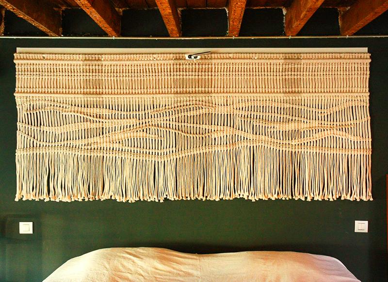 Макраме снова в моде: как использовать привычные узелки для обновления интерьера