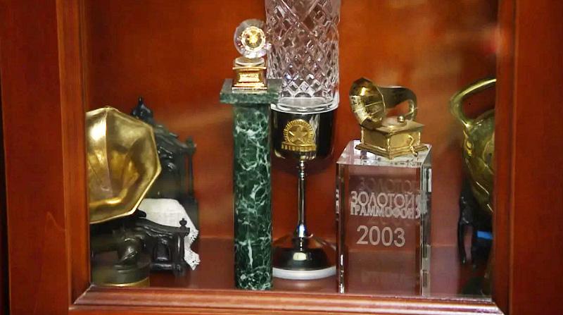 В коллекции Андрея есть два «Золотых граммофона», полученных в 1998 и 2003 годах