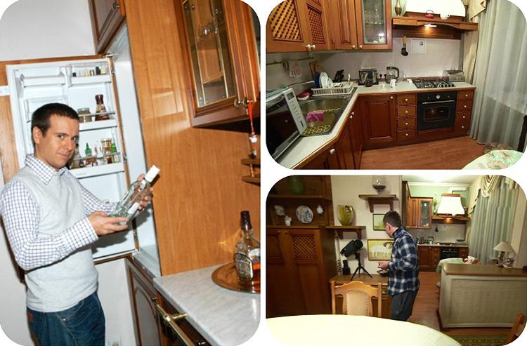 Возле перегородки в гостиную Андрей обустроил уютный обеденный уголок с круглым столом и невысокими стульями