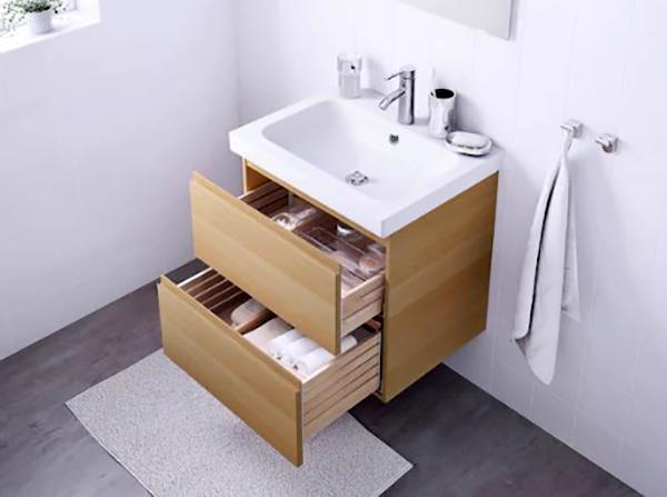 Простой дизайн позволит комбинировать мебель в любой ванной