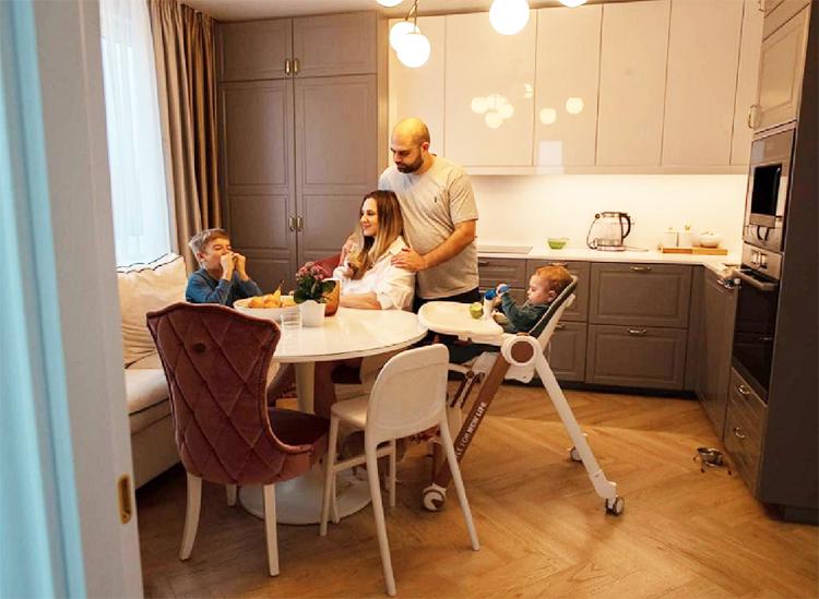 Илья и Ольга Гажиенко опять переехали: как живёт пара, которая поженилась на проекте Дом-2