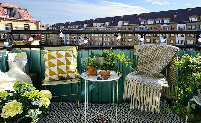 Балкон, наполненный зеленью