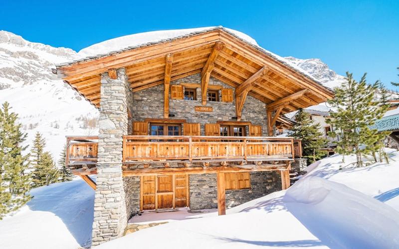 Дом, построенный с применением камня