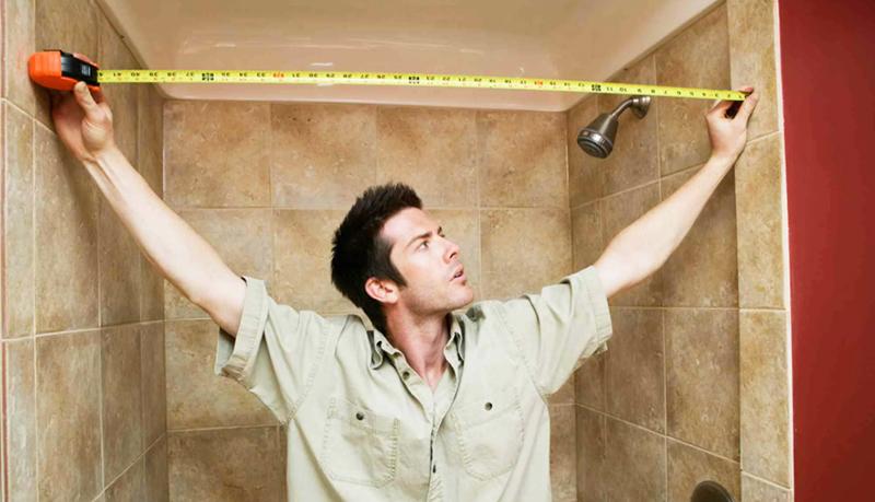 Измерьте ванную комнату и решите, какую мебель и сантехнику вы будете устанавливать