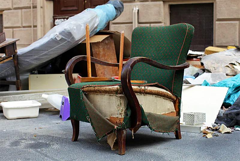 Избавляясь от лишней мебели, вы сокращаете время и периодичность уборки